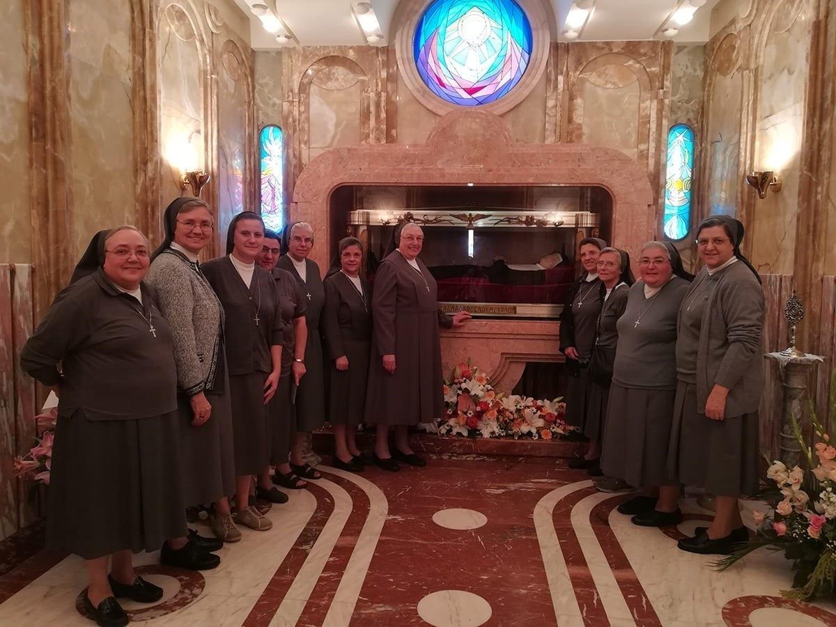 Visita di Madre Yvonne Reungoat in Sicilia